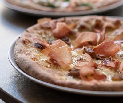 Pizza SPECK & MANZANA.